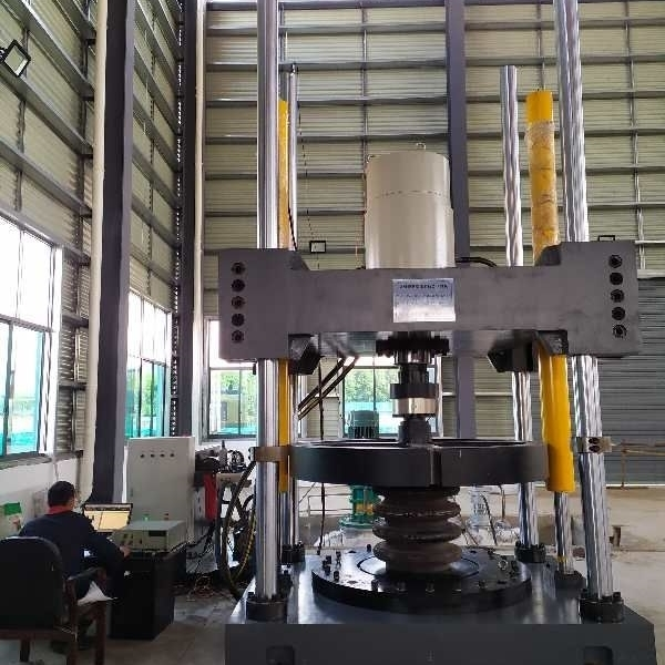 机车钢板弹簧疲劳试验机一诺制造厂家